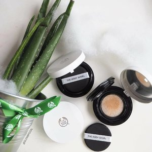 🌵🌵Aloe Vera & Rose Water in your makeup?? 🌹🌹 Yes, The Body Shop's newly launched Fresh Nude Cushion Foundation are made with 100% organic community trade Aloe Vera and English Rose Water. Suitable for sensitive skin, The Body Shop's Fresh Nude Cushion Foundation is: ·  Dermatologically tested ·  Non-comedogenic·  100% vegan·  Formulated without petrolatum and mineral oil I love the awesome smells of this new cushion foundation.👍 The foundation gives a very natural semi-matte finish that feels almost like my 2nd skin! 😍😍 Coverage is sheer to medium but definitely moisturizing for the Fall/Winter season!! The Fresh New Cushion Foundation are now available at all @thebodyshopsg stores at S$39.90. Do give this cushion foundation a try especially you have sensitive skin like me! 💖💖 #clozette