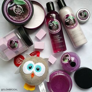 Every year without fail, I will get either my family, friends or myself a Holiday/Christmas gift from The Body Shop! 💕💕 This year they have launched a new seasonal ingredient - Frosted Plum. This special edition fruity floral scent smells wonderful enough to get you in the festive spirit! 🎉🎉 Christmas should be a magical time for everybody. 🎄🎄 This year for every specially selected gift bought, you will be donating to WaterAid, an international charity to help transform lives through access to safe water. 😙  The Body Shop Christmas range will be available at all stores from 5 November 2015. 💕💕 PS: Am loving the Owl Bath Sponge 😜 #clozette