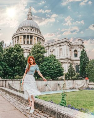 Birds of a feather flock together.  Definitely felt like I was in my element in one of the most prominent fashion capitals of the world! 😁🦅 Can't wait to be back soon!  #ilbtravels  #london #goodmorning