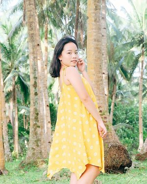 find me under the palms 🏝☀️ #hkristinetravels #clozette