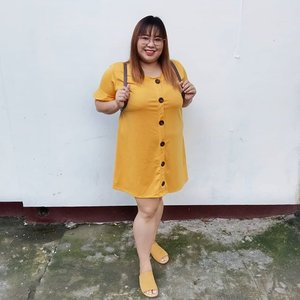 Mommy @anneclutz influenced me big time in loving yellow/mustard color 💛💛💛 feeling koreana🤞  #ootd #yearofthepig #selfie #bangs #clozette