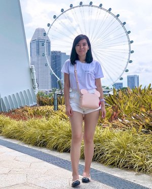 Celebrate Hari Raya with @batasingapore in the month of June. From Heels to Ballerina Flats, there's something for every girl. Picked a pair that can bring me from work to play. Swipe left to see my pick~ #amandaADVERTs #sp