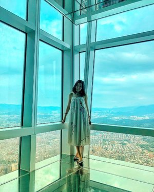 My 11th trip to Taiwan but this is the first time I'm up on Taipei 101. I hope the next time I'm back, there will be someone to share this beautiful view with me. #mandytravellog
