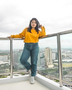 is it me, or yellow is just really a thing? anyways, happy sunday everyone! let be God be the center of everything 💛  #JanineDiaries
