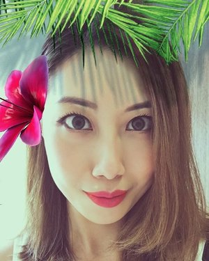 #Selfie with a tropical #snapchat lense 🏝🌺 Wearing just one coat of @heroinemakesg Long and Curl Super Waterproof Mascara mentioned in my previous post. Love it!  Can you see my two-toned lips? 💋 using #maccosmetics lipstick in #Morange on both sides and #IOPE Colorfit Lipstick in Fuchsia Tint on the middle 💄  #clozette