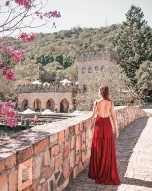 Once upon a time.... 🏰  If you need me, I'll be in my castle 🤪 This Xinshe castle in Taichung is just like a fairytale. (Dress: @doublewoot_fashion ) #doublewootootd #doublewoottravels #lingweiixootd