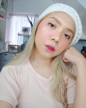 Fresh healthy glowing face with @charis_celeb @superfacestudio cushion in natural! . Watch my full review on this cushion on my VLOG. Link on my Bio 😚 . . . #beautyblogph #koreancushion #fullcoveragecushion #makeupreviewph #superfacecushion #maelayug #charisceleb