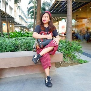 The girl who's easily distracted by sales 😂😂😂 . . . #OOTD #uniqlotee #AdidasTalkPH #Prophere #Clozette #Red #Blizzard #FashionPH