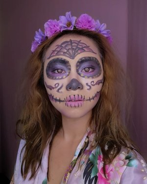 Happy Halloween! This year, @mykeeasy and I went down to Mexico for Dia De Muertos! A week before the trip to Cancun, I tried to practice on my skull candy makeup. Pics of Mexico coming soon!