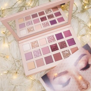 🎁xmas giveaway🎁  Second week of #celloxmasgiveaway is the nude palette by @hudabeauty ! This beautiful palette is to die for 😍😍 How to win:  1. Follow me @cellomakeup  2. Like and comment down below the best Xmas memory you had 😘 and tag 2 bestie who you going to spend your xmas with! 3. Extra point to those who subscribe to my youtube channel #linkinbio and do say HI on my video and state that you are there for huda nude palette 😉  This giveaway is international and ends at 11 December, 10pm (gmt +8)! HOHOHO, Cello  #clozette #giveaway #xmasgiveaway #internationalgiveaway #sgcontest #sggiveaway #contest #xmasgifts #nudepalette #hudabeauty #youtube