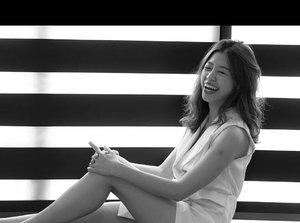This are true happiness laughter. Where's my eye? 眉开眼笑。。。 📸 @robjenkinsphoto . . . . . . . . . . #clozettebloggerbabes #clozette #potd #lotd #iviaphotoshoot #womenofinstagram #womeninframe #photoshoot #chasingportraits #portraits