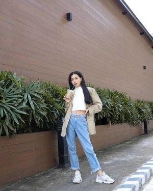 Dad blazer x Mom jeans #RogueTo10K