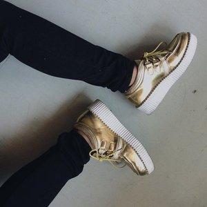 When life's tough, wear pretty shoes. #clozette #fashiongram