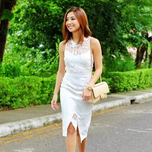 White lace via @hokkfabrica. 💎 #hokkfabrica #clozette #kryzuydotcom