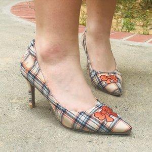 Shoesday Quote:: If you wait to do everything until you are sure it's right, you will probably never do much of anything... . . . Shoes:: @mlanda018 @alegrasingapore . . . #shenwendys #fashionista #fashionaddict #stylish #fashionstyle #yummymummy #shoesdayquote #likeaboss #fashionblog #instafashion #style #fblogger #fashion #love #beautiful #glambassador @glambassadorofficial #bloggerbabes @thebloggerbabes #workingmumsirl #clozetter #clozette @clozetteco #inspiration #qotd #shoesday #inspirational #qotd #shoes #customisedshoes #shoeloveistruelove #AlegraSingapore #mlanda019