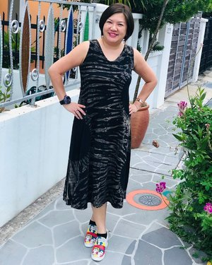 Weekend Escapade ~ flowy slip-on dress from @marada.online & funky sneakers @mlanda018 . . . Happy Saturday! Make the most of this day! Laugh, love, read, live, learn, play, dream! Just be HAPPY! . . .  #shenwendys #fashionista #fashionaddict #stylish #fashionstyle #yummymummy #likeaboss #fashionblog #instafashion #style #fblogger #fashion #outfit #beautiful #glambassador @glambassadorofficial #bloggerbabes @thebloggerbabes #workingmumsirl #clozetter #clozette @clozetteco #inspiration #beyourself  #nanz  #thehappygals #qotd #ootd #maradathai #madeinbangkok #bangkokdesigner