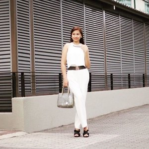 White for a #new good beginning! A pair that is sure to take you from desk to dinner, effortlessly.  Shop online at #Zalora : Use Bap Code ZBAPZAEK to enjoy more discounts.  #style #blogsg #stylesg #fashionsg #clozette