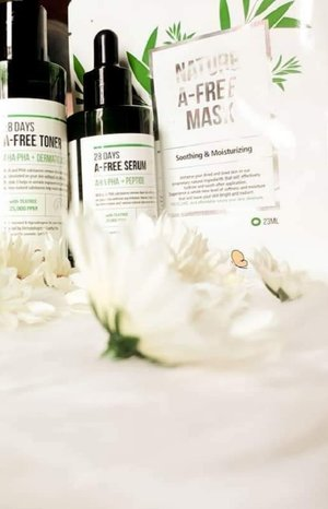 With the 28 days A-free toner, serum, mask sheet, you can clearly return to that young, clear skin.  This tea tree skincare collection is a solution that will improve skin elasticity without hurting sensitive skin.  Using these goodies, I must say, results came in even after using it for 2 weeks straight.  Tea tree works like magic, like totes!  And because I also want you try these goodies, you are free to use my code Receller Camz to get a special discount when you purchase for each of the tea tree skincare line.  After using @recellme_global, you'll definitely say #ByeByePimple & achieve that glowing skin you've always wanted! 😉  #iLoveRecellMe 👑