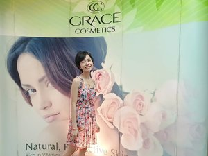 Honored to grace the SIZZLE SUMMER PARTY of Grace Cosmetics! 😍  Grace Cosmetics is a premiere beauty brand from Australia that has been serving millions worldwide with high-quality products, formulated with natural, botanical & organic ingredients. Guess what?! They are offering products with certified organic Aloe Vera as its main ingredient. Yes, you read that right, organic & aloe vera! That's just so fab! 🧖🏻‍♀️ So whatcha waitin' for?! Get your hands on these great buy goodies! 😉  #SummerWithGrace #GraceCosmeticsPH 👑