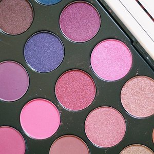 You want? 😉  @jcatbeautyph ❤️ #jcatbeauty #jcatbeautyph #makeup #makeupinmanila #makeupph #beauty #beautyblogger #eyeshadow #clozette