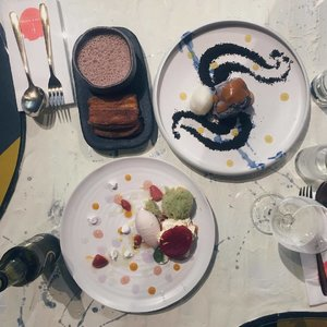 JANICE WONG • Went for dessert with kor x #edibleart #dessert #dessertporn #dessertsg #dessertstagram #dessertsgram #janicewong #clozette #cafehopsg #foodsg #igers #vsco #cafefood #igsg #vscocamsg #vscosg #burpple #eatoutsg #igersingapore #onthetable #8dayseat #8dayseatout #singapore #thisissingapore #exploresg #latergram #flatlay #flatlaysg #whatiatetoday #throwback