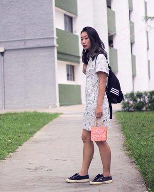大年初一 🍊🍊 x #axdelwenthreads #clozette #lookbooksg #ootdsg #lookbookasia #ootdmagazine #lotd #igers #vscocamsg #streetfashion #sgigstyle #fashionigers #vscocamsg #igsg #chictopia #stylesg #igersingapore #stylexstyle #vscosg #lookbooknu #fashiondiaries #weheartit #fblogger #styleblogger #streetstyle #sgstreetstyleawards #throwback #stylesearch 📷: 妈♥️
