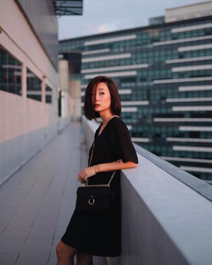 On a different roof x #axdelwenthreads #clozette #lookbooksg #ootdsg #lookbookasia #ootdmagazine #lotd #igers #vscocamsg #streetfashion #sgigstyle #fashionigers #vscocamsg #igsg #chictopia #stylesg #igersingapore #stylexstyle #vscosg #lookbooknu #fashiondiaries #weheartit #fblogger #styleblogger #streetstyle #sgstreetstyleawards #throwback #stylesearch 📷: @christyfrisbee 💕