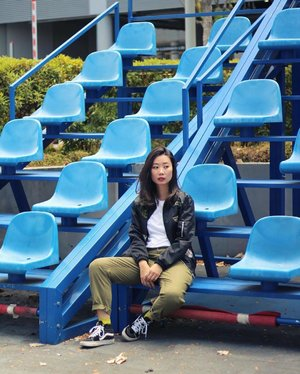 Bleachers sit here. x #axdelwenthreads #clozette #lookbooksg #ootdsg #lookbookasia #ootdmagazine #lotd #igers #vscocamsg #streetfashion #sgigstyle #fashionigers #vscocamsg #igsg #chictopia #stylesg #igersingapore #stylexstyle #vscosg #lookbooknu #fashiondiaries #weheartit #fblogger #styleblogger #streetstyle #sgstreetstyleawards #throwback #stylesearch 📷: @christyfrisbee 💕