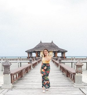 Showing off my floral skirt and mustard swimsuit at Bali. What do you think of my outfit for today?