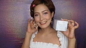 🤣thought twas a PICTURE. OMGㅋㅋㅋ this is a glimpse of my new video: Coco Manuel💓💕 so excited to introduce you to my new fave skin care product from @rockandherb / it sounds satisfying too! 💓 #asmr #cocomanuel #뷰티그램 #메이크업  Please stay tuned and it will be uploaded within 24-48 hours. Sorry guys for being a lil bit late 😭. #kbeauty #kbeautyskincare #skincare #skincareproducts #kbeautyskincare #kbeautyproducts #koreanskincare #kbeautyaddict #skincareaddict #abcommunity #skincarelover #kbeautyskincareroutine #skincareroutine #beautyproducts #kbeautylover #abcommunity #abbeatthealgorithm #kbeautyblog #asianbeauty #kbeautyblogger #kbeautyreview #kbeautyshop #makeupjunkie #beautyjunkiesmx #youtuberph #linkinbio #clozette