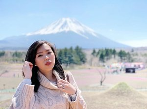 Sometimes life will surprise you. Yung tipong hindi ka ready pero nagustuhan mo yung photo. 🤪 #clozette #sakura #fuji #japan #FujiShibaSakuraFestival