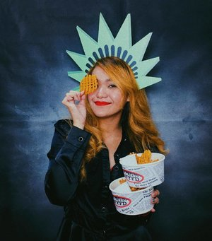 NYFD has been my favorite fries since early college days and I'm super glad that they relaunched todaaayyy! 🍟🙌🏻 @nyfdph #nyfdph #tgifryday 💁‍♀️ FRIES FRIES FRIES 🍟