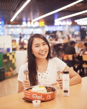 Overjoyed with all the food I chowed down at the newly renovated @smmegamall @smfoodcourt 🐷 Solid talaga for tipid food trips na hindi bitin. #KumainKaNaBa #SMFoodcourt