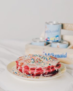 Making pancakes extra sweet with @milkmaidindulgence condensed milk! 🥞🥛 Who wouldn't love to eat a pretty and delicious pancakes right?! A little treat to myself but making it extra special with the perfect sweetener and #IndulgeMyWay to a delicious breakfast dessert! 😋 Love adding MilkMaid's condensed milk to my desserts lately because it's creamier, richer and is made by 100% pure cow's milk! 💓 Gotta love its premium quality! #IndulgeYourWay