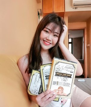 I've been using the Tahpre Special Care Mask and I love how natural this mask is!! In place of water, Propolis Extract Essence are used as the base of the mask which provides nutrients and mineral salt for your skin!  This mask is able to reduce wrinkles, eye bags and crows feet after one usage!! Get them from @waseyosg !!❤❤❤ #sgig #sgblogger #waseyosg #sgbeautyblogger #sgreview #clozette #skincare #mask #asian #girl #sgskincareproducts