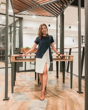 Getting ready for the weekend in local label @weekendsundries asymmetrical top . . . . . #clozette #streetstyle_singapore #weekendloves #igsg #sginfluencer #livewithstyle #sgbeauty #ootdcampaign#fashiongoals #vscofashion #sgstyle #ootdsingapore #lookbook #ootdmagazine #classyandfashionable #fashionblogger #travelblogger #chictopia #fashiongram #herworldstyleawards #swatchthis #vscosingapore #singaporestories #TAFFSG