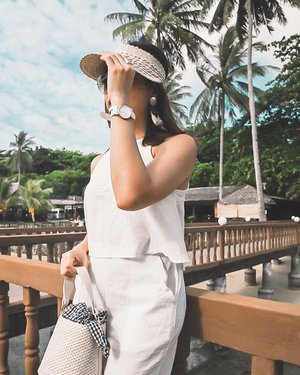 Not ready to bid goodbye to summer whites like this @danielwellington Dover timepiece. ☀️ Remember to use EVEREST19 for EXTRA 15% off at www.danielwellington.com or at any of their official retail stores in Singapore and Malaysia! .  #clozette #streetstyle_singapore #sgfashion #sginfluencer #livewithstyle #sgbeauty #ootdcampaign #fashiongoals #styleinspo #sgstyle #ootdsingapore #fashiondiaries #sgshopping #EverestStyles #ootdsg