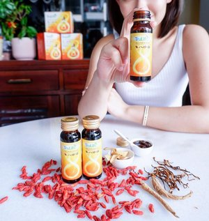 GIVEAWAY🎁  Are you a fan of TCM( Tradtional Medical Herbs ) too? I'hv been taking it for a couple years now and instead of spending hours to brew it's now available in a bottle . 🥣 After drinking #trulifesg Balance Plus Wellness Tonic for 1st 2 weeks I feel it helps with less Menstural discomfort , back ache and vitality too✨  3 Lucky winner will each win a box each of Collagen Balance plus Wellness tonic❤️ How to win?✨ -Like this post 1)Follow @trulife_sg and @vinvola -Tag your friends whom you think might need it⭐️ 2)No limit on number of entries per person tag at least One tag = one entry, ⭐️ 3)Tell me if you love TCM herbs too, YES/NO?⭐️ Winner will be chosen at random  Giveaway ends: 05June 2019 (GMT +8)  Winner will be contacted via DM  Contest is for everyone residing in Singapore.  #clozette  #trulife
