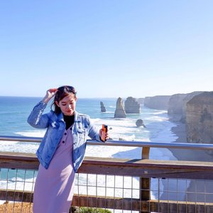"Finally visited @greatoceanroadaustralia  for the 1st time with my daughter 🌊 ✨Dressed in my comfy demin jacket  and dress from @jumpeatcry , use ""VINNA10"" 10% online and storewide ✨  I'm Staying connected with Data and uploading on the go with @changirecommends , fuss free as there's no need for purchase of SIM cards! .  USE ✨""2FREEDAYSOFFS"" to get 2 Free days! ✔️ T&C - minimum 4 days rental, valid for travels by 31 Dec 2019 - promo code is valid for usage till 30 Sep 2019 - not valid for use with other promotions, deals, e-vouchers and discounts - promotion is not applicable for Australia, Europe and USA - Fair Usage Policy may apply.  #clozette  #vinnaxmel"