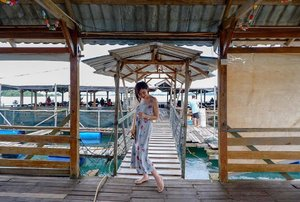 "First Visit the KeLong ( restaurant by the sea & get to pick ""live"" seafood for lunch 👍🏻🦞🦐🦀🐟 👗 @anneematthew ( Abby ruffled hem nursing dress xs) I'm thinking to get it in Alicia too 😜💕 quote ""Vinvola10"" 10% 👠@pazzionofficial  #clozette  #sgmummy #batam"