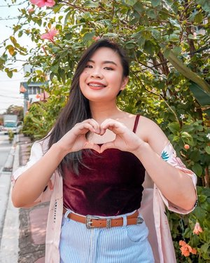 #Selflove is the theme for today! That's why I would love to treat myself through @lazadaph 's ongoing Mid Year Sale! Let's go and shop till you drop with items sold up to 90% off!!! . . https://c.lazada.com.ph/t/c.0AnX?sub_aff_id=Hannah+Dacanay . . #lazadaMYF #MidYearFestPH #MidYearFestival