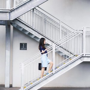 Inspirational industrial loft stairs | Keep those home and decor ideas coming💡 #lovebonito #aforarcade #clozette #homedecor #instahome