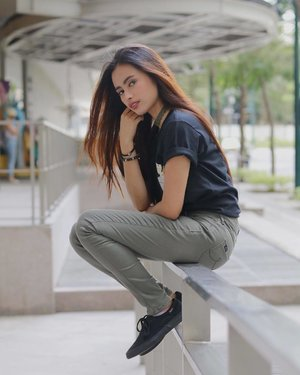 Chill & Bæsic  Shirt: @mmtees2016  Jeans: @bnyjeansph 📸: @abrahamnuedaphoto