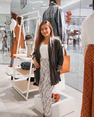 𝑰'𝒎 𝒂𝒍𝒍 𝒅𝒓𝒆𝒔𝒔𝒆𝒅 𝒖𝒑 𝒂𝒏𝒅 𝒓𝒆𝒂𝒅𝒚 𝒕𝒐 𝒈𝒐 𝒕𝒐 the @trendsetterteam Trendsetter's Bazaar this weekend! Cop outfits like mine at a very affordable price as come, visit, and shop this Sept. 13-15 at Elements Tent, ETON Centris! See you guys there!