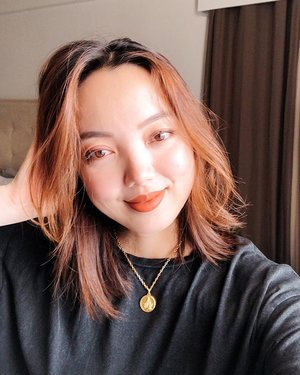Shorter hair para almost twinning with lil sis @fashionbandwagon 😁👭 good morning!😊🥰. . . . (@skinpotions Extra glow dust on my face, dream cream in charlie shade on my lids and cheeks, @sunniesface baked on my lips) #sheiloves #sheilovesselfie #selfiemuna #skinpotionsgirlgang #clozette