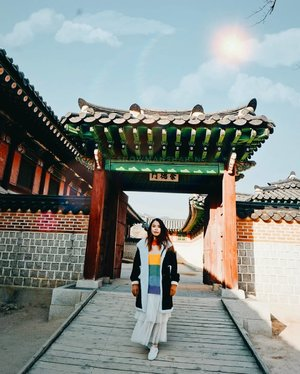 Blogged about my day 3 trip to Gyeongbok Palace and Bukchon Hanok Village 💖 read now 👉 www.snowmansharing.com 😘 . . #SnowmanSharing #Korea #gyeongbokgung #gyeongbokpalace #bukchon #bukchonhanokvillage #snowmaninKorea #clozette