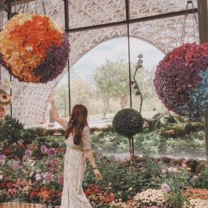 Blooming wonderland w @bel_nee 💐✨ - - - - #twrootd  #clozette