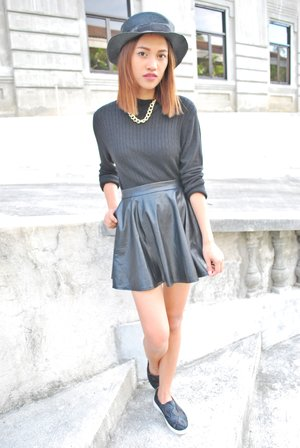 Wearing black and darker colors is an urban uniform.  Check out my blog! www.bstyledbyjean.com