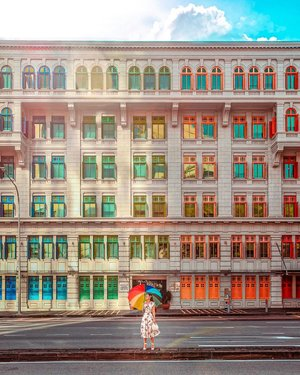 When you google Rainbow building Singapore, this place for sure come up as one of them..  One of interesting must visit places in Singapore, which finally on my feed now.. Took this photo on very sunny day and this what happen on golden hours, that explain so much shadows and warmness on my photo. Oh well i need another time to shot this place again.  • • 📍Ministry of Information, Communication & the Arts (MICA) The MICA building, with all of its windows painted in a myriad of colours like green, red, yellow and blue, is sure to catch your eye as you explore the Civic District trail. Its vibrant exterior and revamped internal space makes it the ideal venue for large-scale exhibitions and performances. This curiously colorful building has more than 900-ish windows with brightly painted shutters and houses a handful of government ministries and an art courtyard. Up until the late 20th century, it was known as the Old Hill Street Police Station, and was where the Singaproe Police Force worked to clamp down on Chinese secret societies. • • #exploreSingapore #VisitSingapore #Singapore #singaporeworld #singaporeinsiders #things2doinSingapore