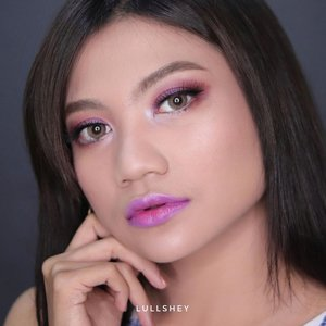 Purple Makeup . Look ini aku buat mostly pake @inezcosmetics Softlens @x2softlens glam citrine Eyeliner @youmakeups_id  Eyebrow @qlcosmetic  Tutorial besok yaa 😅 . . . . #beauty #makeup #makeupartist #boldmakeup #makeuptutorial #makeupjunkie #makeupbyme #makeuplover #tasyashoutoutfarasya #cchannelbeautyid #makeupoftheday #wakeupandmakeup #bunnyneedsmakeup #beautybloggerindonesia #ivgbeauty #eotd #clozette #undiscovered_mua #setterspace #repostinezcosmetics #dwiendahpusparini #ccchanelbeauty_id @beautybloggerindonesia @indobeautysquad @bloggirls.id  #girl #indobeautygram #beautygoersid #instamakeup @setterspace @tampilcantik @bandungbeautyvlogger @ragam_kecantikan @indobeautygram @cchanel_beauty_id @tips_kecantikan @bloggermafia @popbela_com